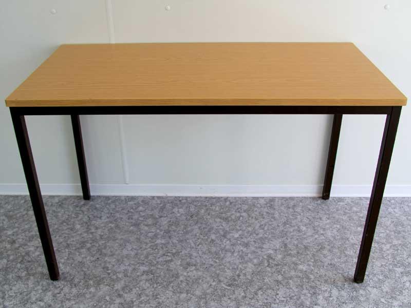 Brauner Tisch - 120 cm x 60 cm